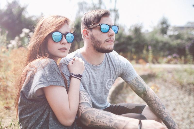 Summer Vibes - Portrait Mann und Frau mit Sonnenbrille